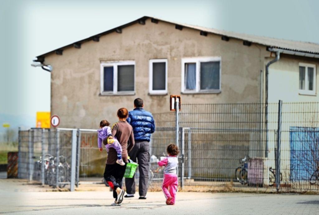 Für das laufende Jahr rechnet man im Land mit 33000 Flüchtlingen – Ministerpräsident Kretschmann glaubt, dass es noch mehr werden. Auch für die Realschulen, die Inklusion  und die Unterrichtsversorgung  muss Grün-Rot mehr Geld in die Hand nehmen. Foto: dpa