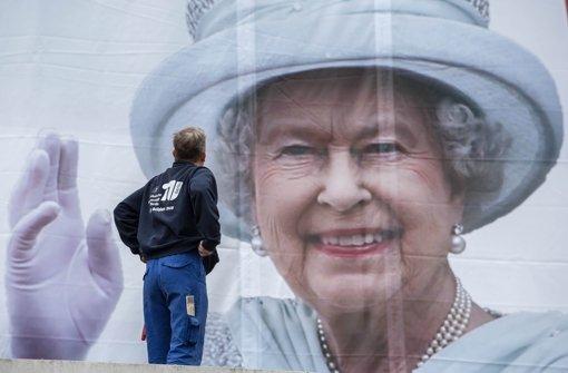 Hier gibt es die Queen live und in Farbe