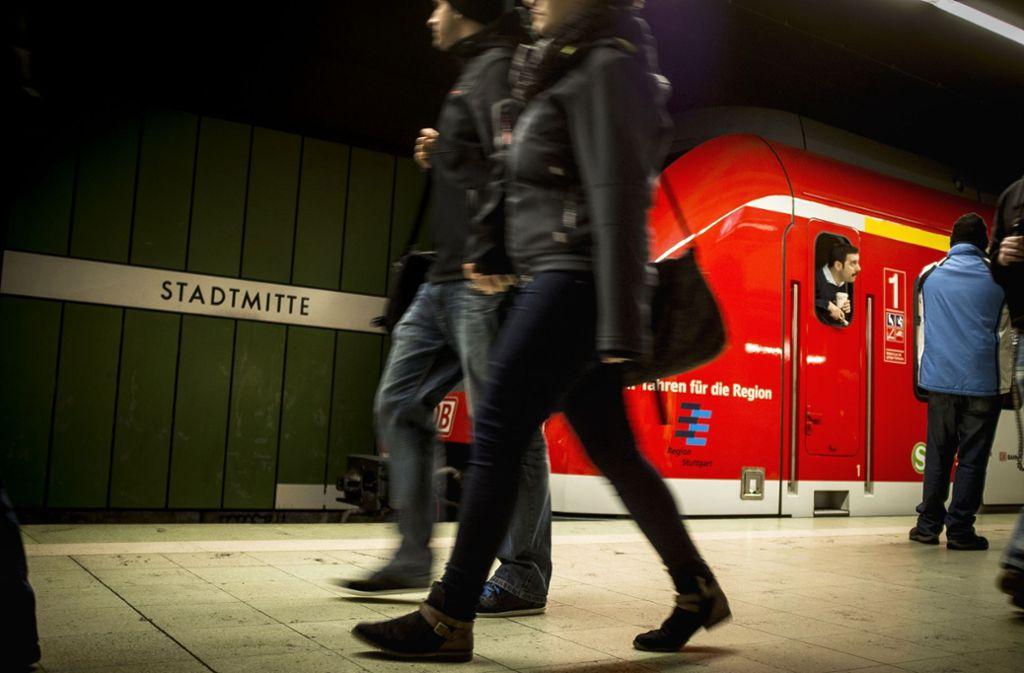 Die S-Bahnen sollen pünktlicher werden. Doch dafür braucht es eine neue Signal- und Steuerungstechnik. Doch nun ist die Finanzierung wieder unsicher. Thomas Bopp setzt darauf, dass es noch eine Lösung geben wird. Foto: Lg/Piechowski/Schmidt