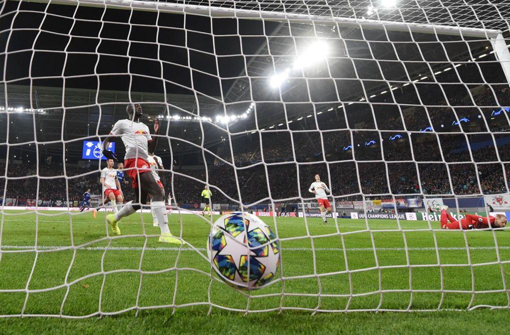 RB Leipzig mit Schnitzern in der Abwehr einen Sieg gegen Olympique Lyon. Foto: Hendrik Schmidt/dpa-Zentralbild//Hendrik Schmidt