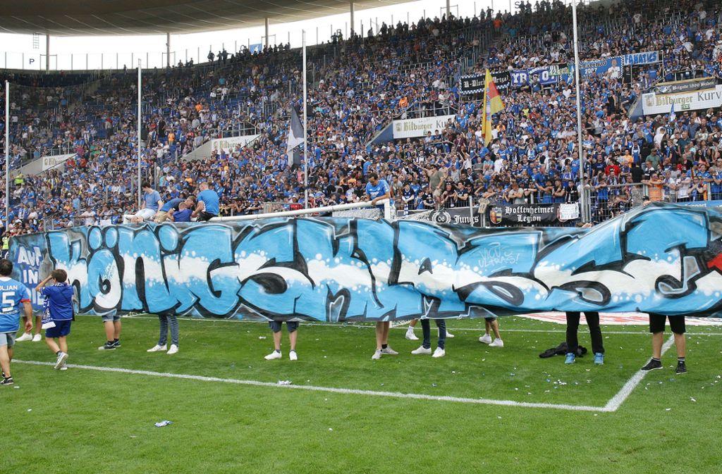 So feierten die Fans von 1899 Hoffenheim am Ende der vergangenen Saison den Einzug in die Champions League. Foto: Baumann