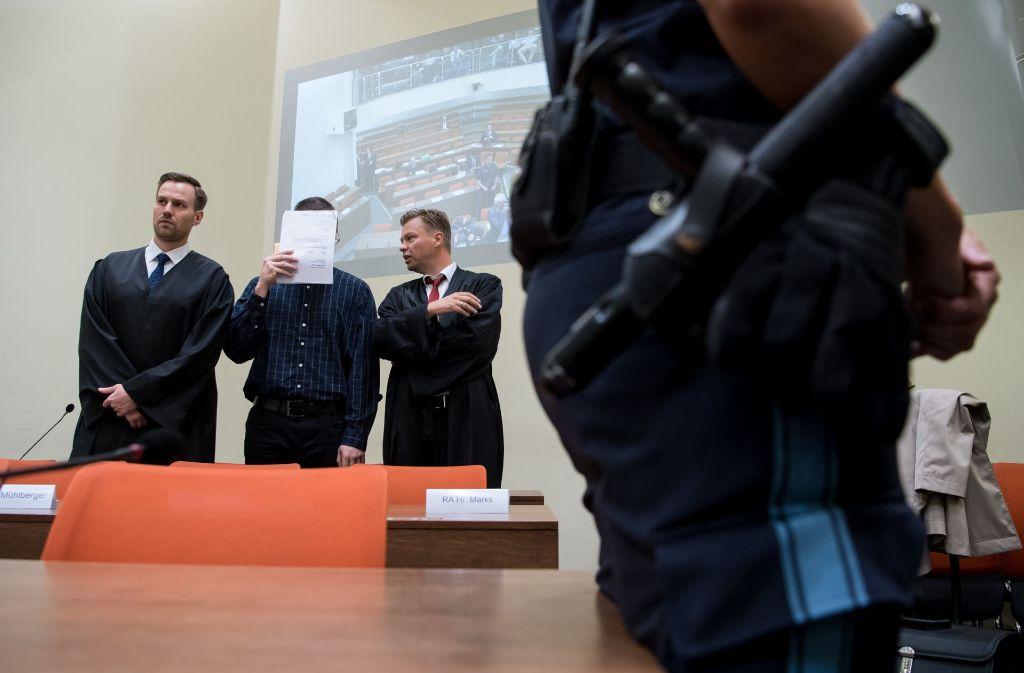 Der mutmaßliche Lieferant der Tatwaffe für den Münchner Amoklauf hat ein umfassendes Geständnis abgelegt. Foto: dpa