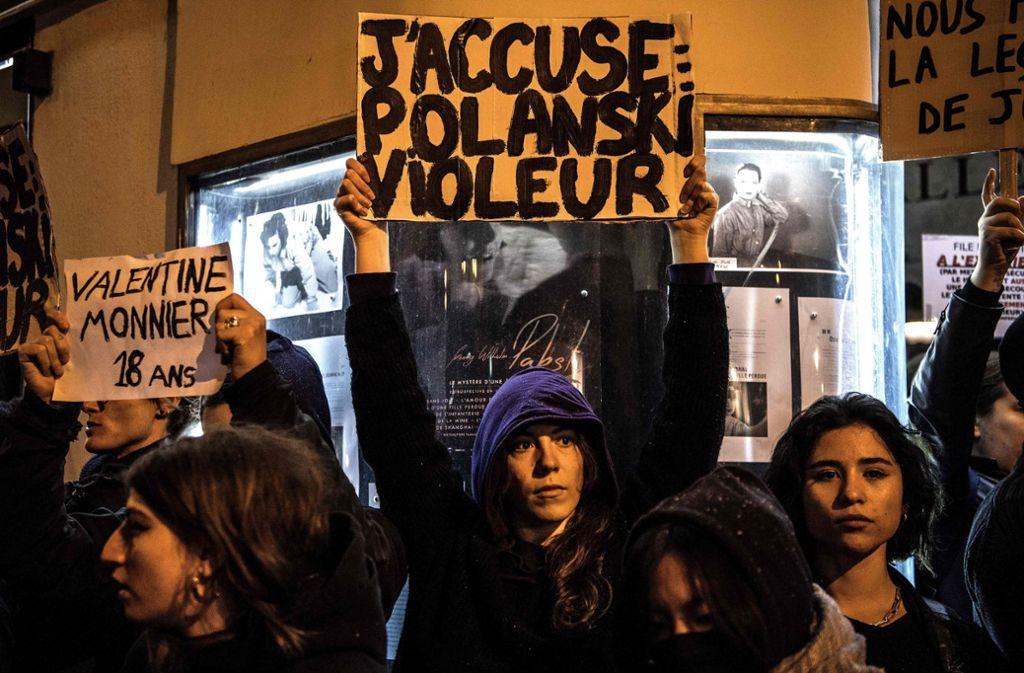 Immer wieder kommt es in Frankreich zu Protesten gegen Roman Polanski. Die César-Nominierungen   heizen den Streit weiter an. Foto: AFP/Christophe Archambault