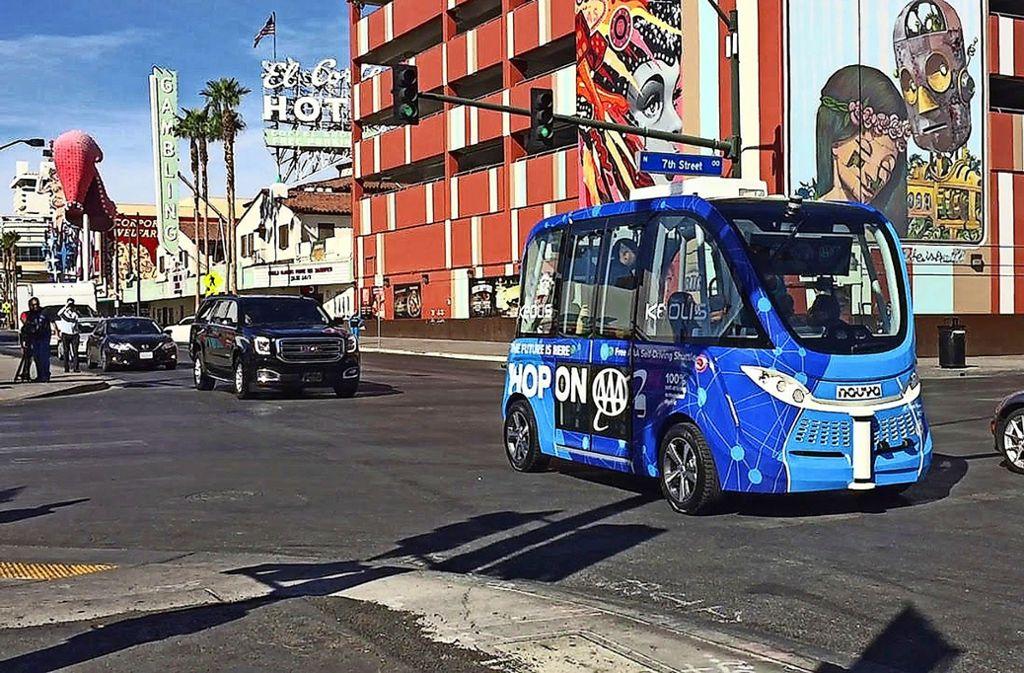 In Las Vegas sind autonome Shuttlebusse schon unterwegs; bald auch in Leonberg? Foto: dpa/Regina Garcia Cano