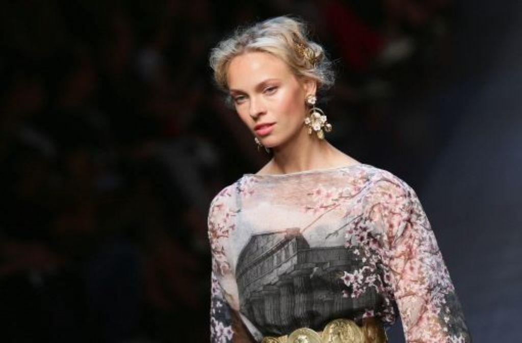 Kreation des italienischen Modelabels Dolce & Gabbana Foto: Getty Images Europe