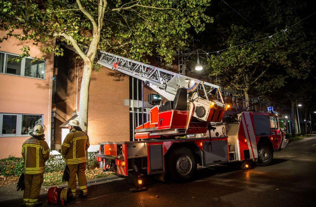 Die Feuerwehr in Esslingen hatte es in der Nacht zu Donnerstag gleich mit vier Bränden zu tun. Foto: SDMG