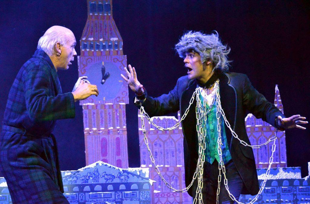 Wie in der Originalgeschichte wird Ebenezer Scrooge auch im Musical durch die Begegnung mit drei Geistern geläutert. Doch in der Adaption von Christian Berg und Michael Schanze gibt es auch allerhand komische Situationen.  Foto: Veranstalter