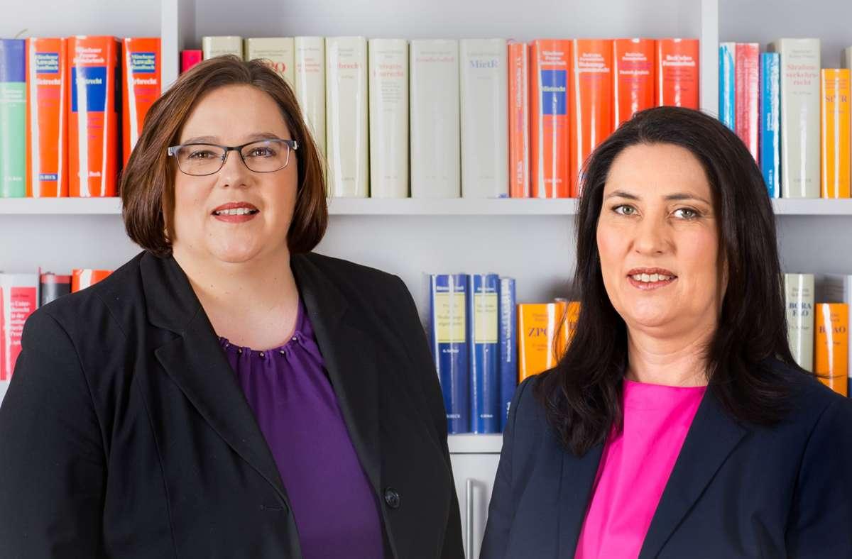 Sandra Fasolt (links) und Simone Waller-Krappen betreuen in ihrer Kanzlei nicht nur Opfer von häuslicher Gewalt, sondern auch Scheidungsprozesse, Unterhaltsfragen und ähnliches. Foto: Rechtsanwaltskanzlei Fasolt & Krappen
