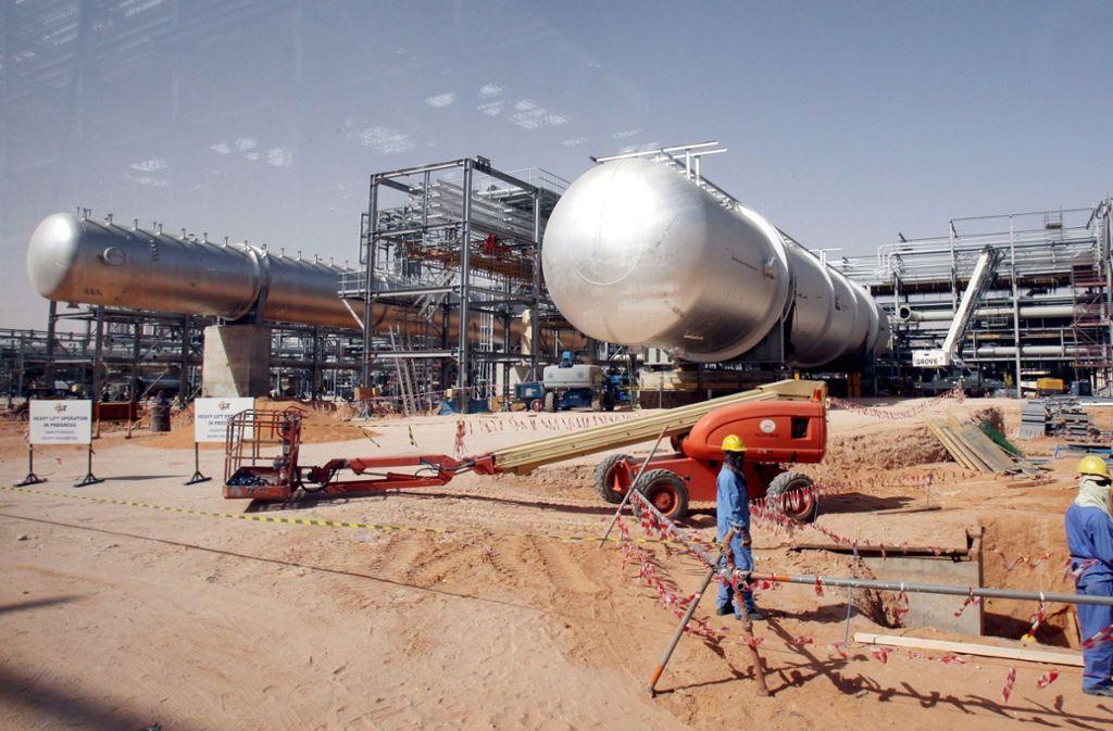 Neben der US-Ankündigungen erhöhen auch Förderkürzungen Saudi-Arabiens den Ölpreis. Foto: dpa