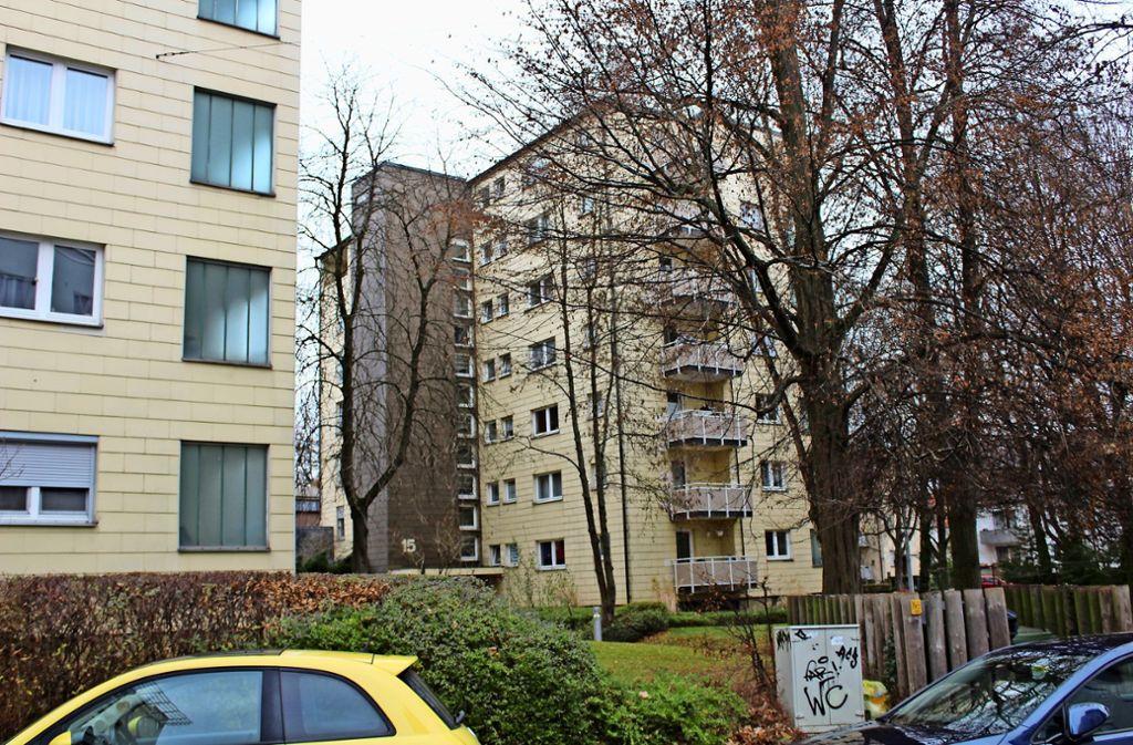 Die Bauten aus den 50er Jahren entsprächen nicht mehr den Wohnanforderungen, begründet die Flüwo ihre Pläne, im Degerlocher Zentrum neu bauen zu wollen. Foto: Tilman Baur