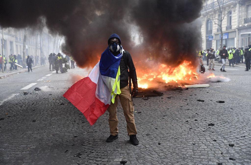 Manche  Gelbwesten setzen weiter auf Gewalt. Foto: Le Pictorium Agency via ZUMA