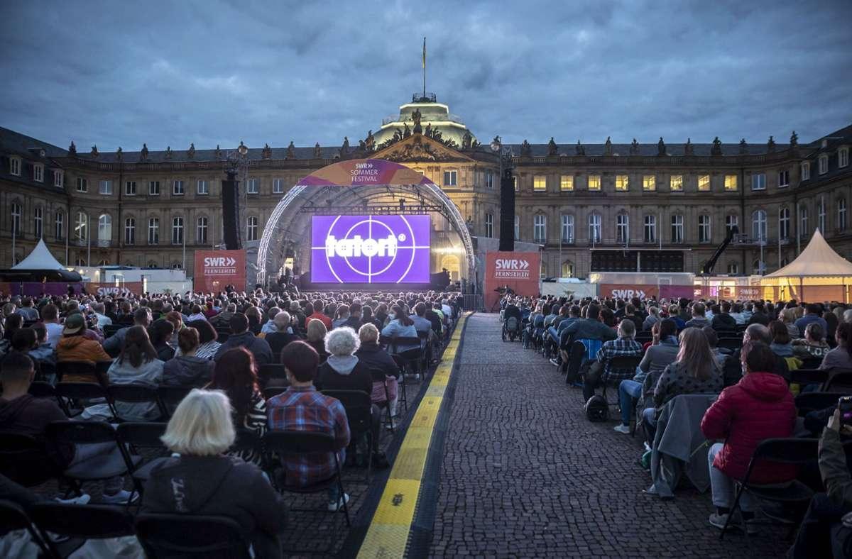 """2100 Gäste haben am Donnerstagabend die ausverkaufte """"Tatort""""-Premiere beim zwölften SWR-Sommerfestival auf dem Schlossplatz erlebt. Foto: Lichtgut/Julian Rettig"""