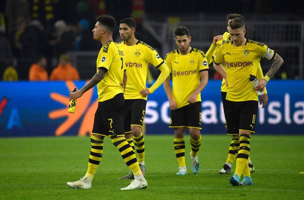 Borussia Dortmund konnte eine  Blamage gegen Schlusslicht Paderborn gerade noch abwenden. Foto: AFP/INA FASSBENDER