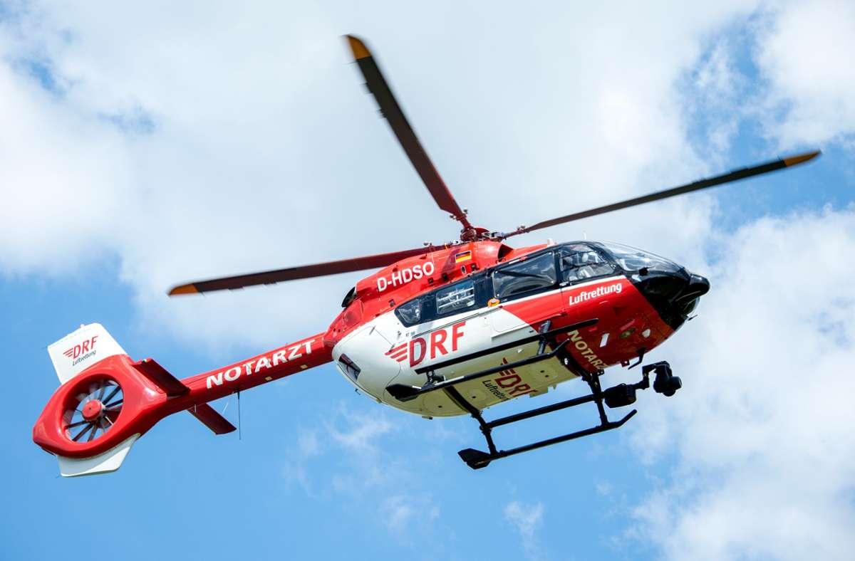 Der Radler zog sich so schwere Verletzungen zu, dass er mit einem Rettungshubschrauber ins Krankenhaus gebracht werden musste (Symbolbild). Foto: picture alliance/dpa/Hauke-Christian Dittrich