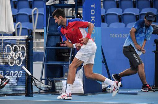 Novak Djokovic lässt Frust gleich doppelt am Schläger aus
