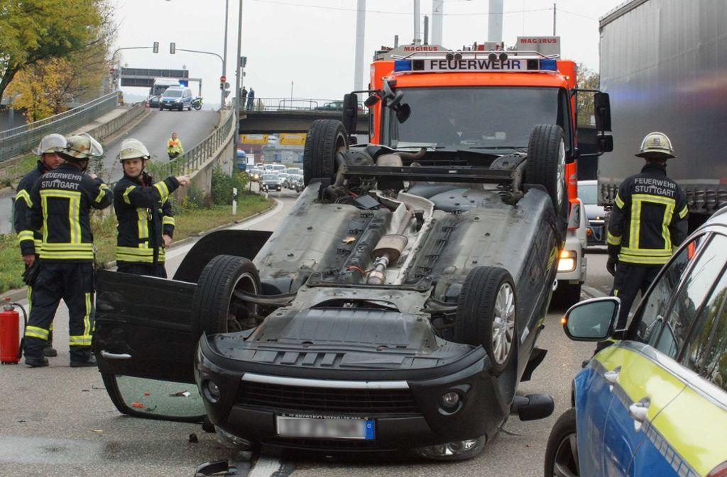 Der Unfall ereignete sich in der Uferstraße in Stuttgart-Ost. Foto: Andreas Rosar/Fotoagentur-Stuttgart