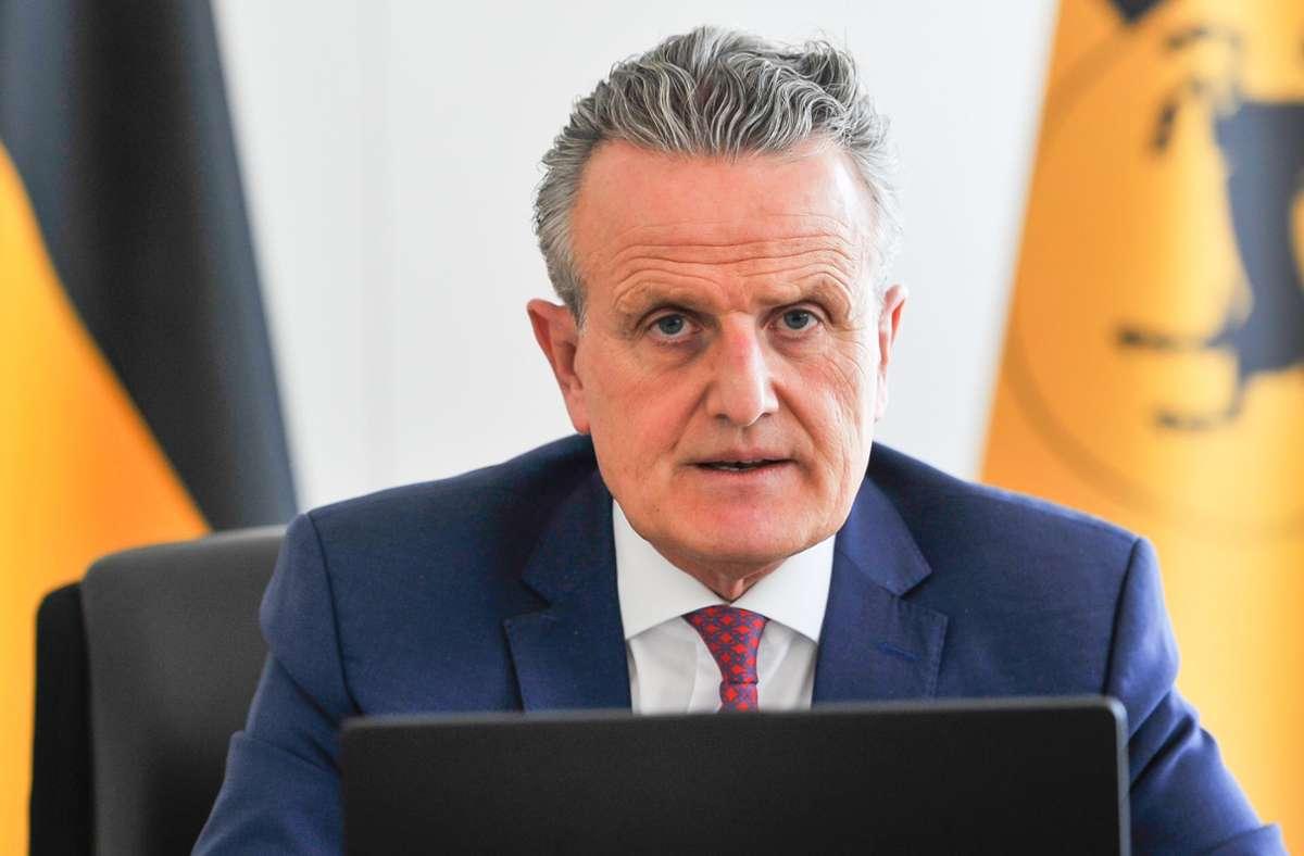 Die SPD in Stuttgart sieht OB Frank Nopper bei der Energiewende gefordert. Er soll bei einer Bürgerversammlung die Ziele der Stadt darlegen. Foto: Lichtgut/Max Kovalenko