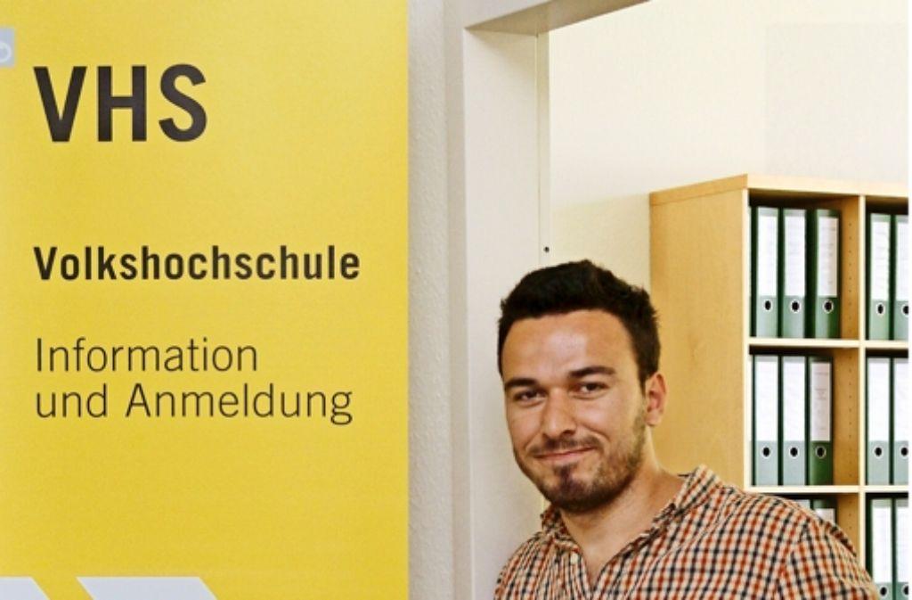 In der Volkshochschule Ludwigsburg hilft Ferman Al Kasari jetzt aus. Foto: factum/Granville