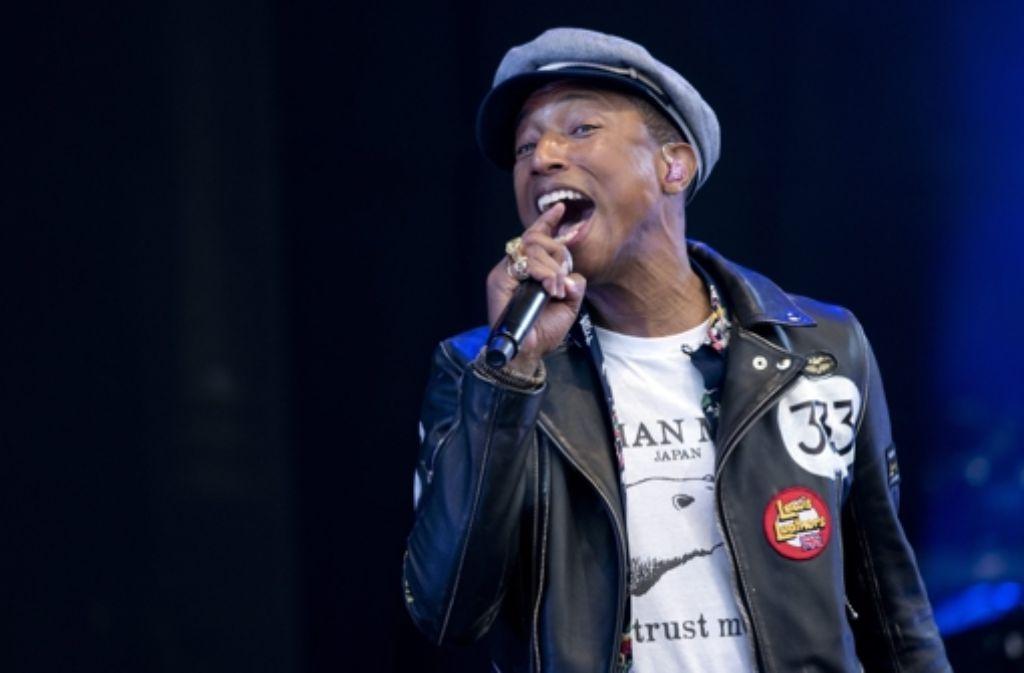 """Pharrell Williams  wurde mit seinem Hit """"Happy"""" berühmt, jetzt ist er Miteigentümer der Marke G-Star Raw. Foto: dpa"""