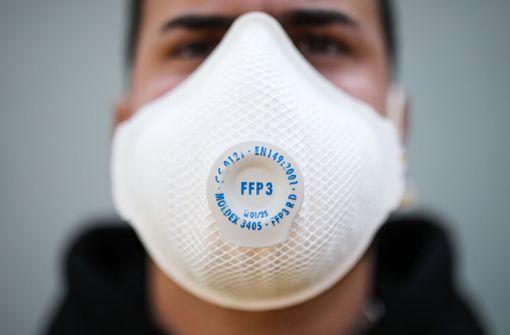 Maskenpflicht für Ältere: Idee  stößt auf ein geteiltes Echo