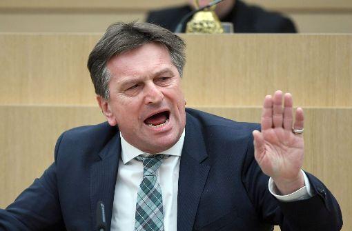 Sozialminister stellt sich stur