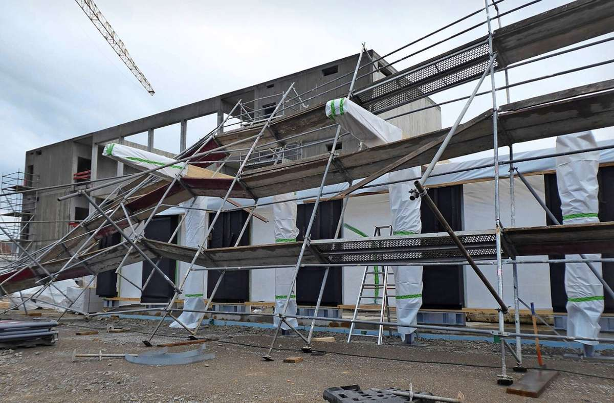 Das Gerüst krachte in die Baustelle der Fuchshofschule. Foto: Stadt Ludwigsburg