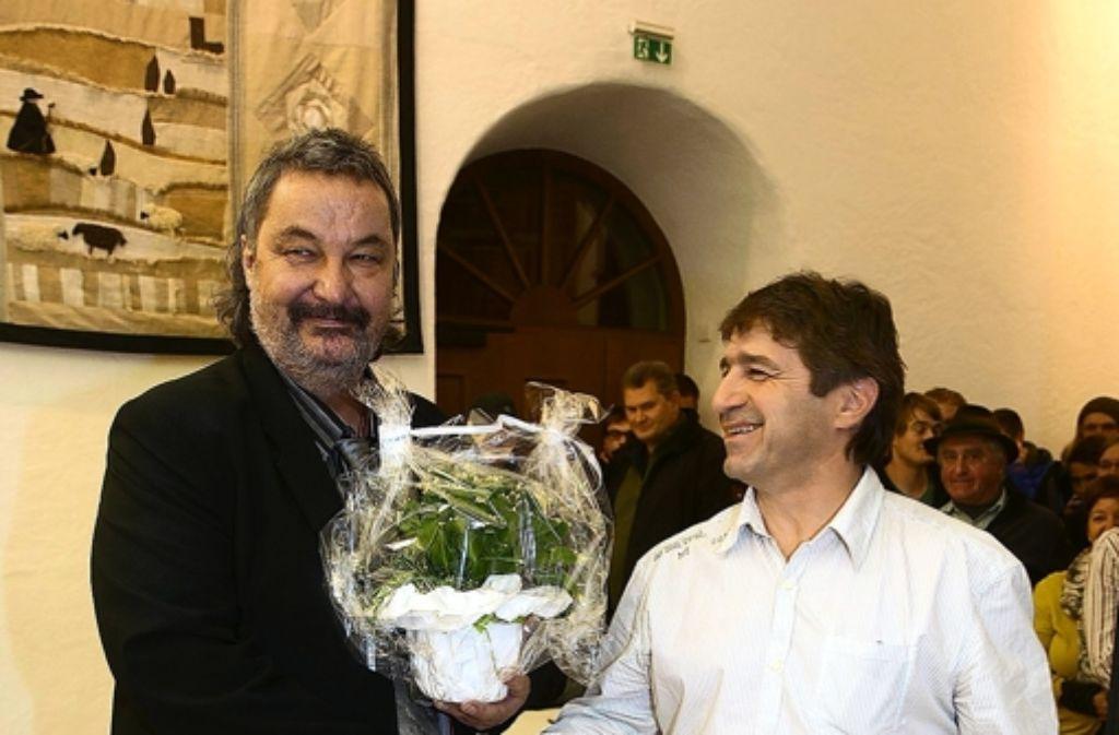 Klaus Däschler mit dem stellfvertretenden Bürgermeister Uli Hepperle Foto: Horst Rudel