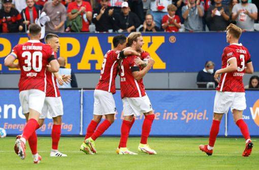 3:0! SC Freiburg feiert Abschiedsparty im Dreisamstadion