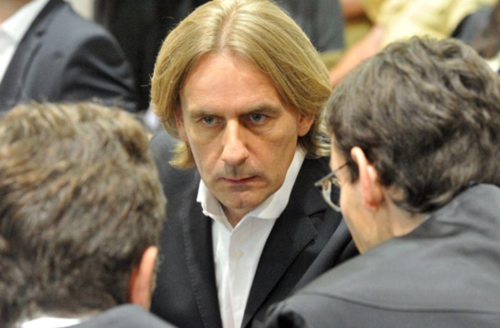 Der ehemalige Deutschlandchef von Media Markt, Michael Rook, muss für mehr als fünf Jahre ins Gefängnis. Foto: dpa