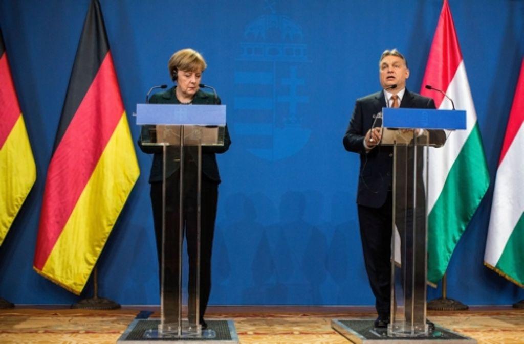 Klare Worte in Budapest: Kanzlerin Angela Merkel hält dem ungarischen Ministerpräsidenten Viktor Orban Demokratiedefizite vor. Foto: Getty Images Europe