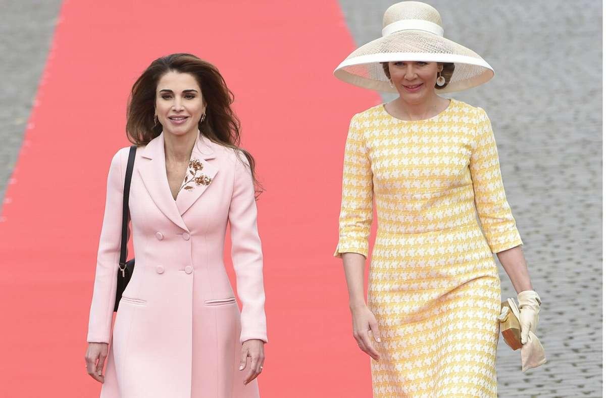 Staatsbesuche, wie hier in Belgien im Jahr 2016, gehören für Rania (links,  daneben die belgische Königin Mathilde) zum Geschäft. Foto: AFP/John Thys