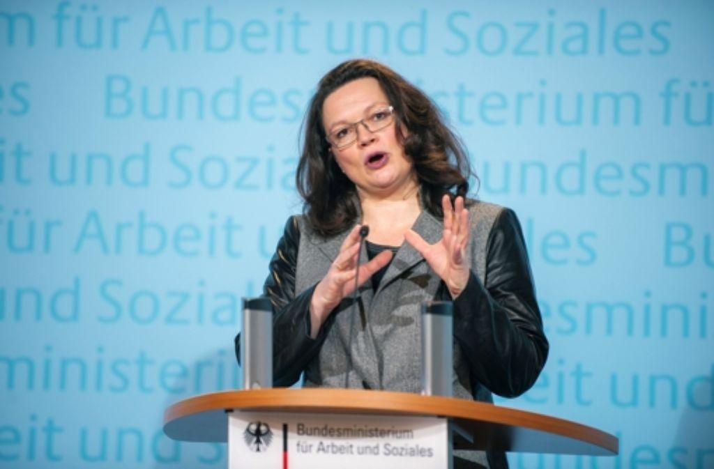 Arbeitsministerin Andrea Nahles will strengere  Regeln für Werkverträge. Foto: dpa