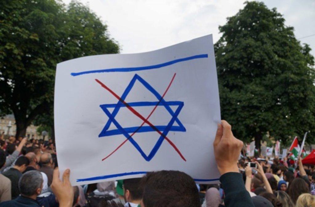 In Stuttgart war es Mitte Juli bei einer Demo gegen die Gewalt im Nahen Osten zu Ausschreitungen gekommen. Foto: FRIEBE|PR