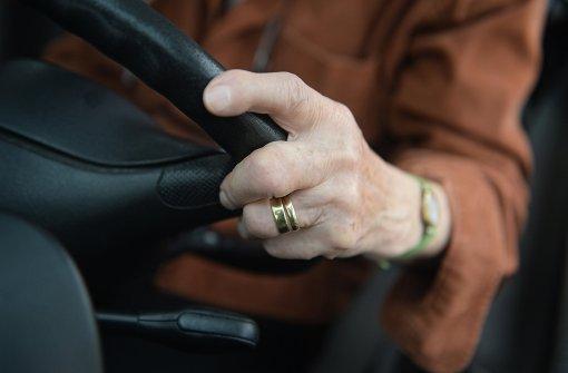 72-Jährige setzt sich betrunken ans Steuer