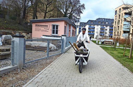 Mit dem E-Lastenrad zum Friedhof