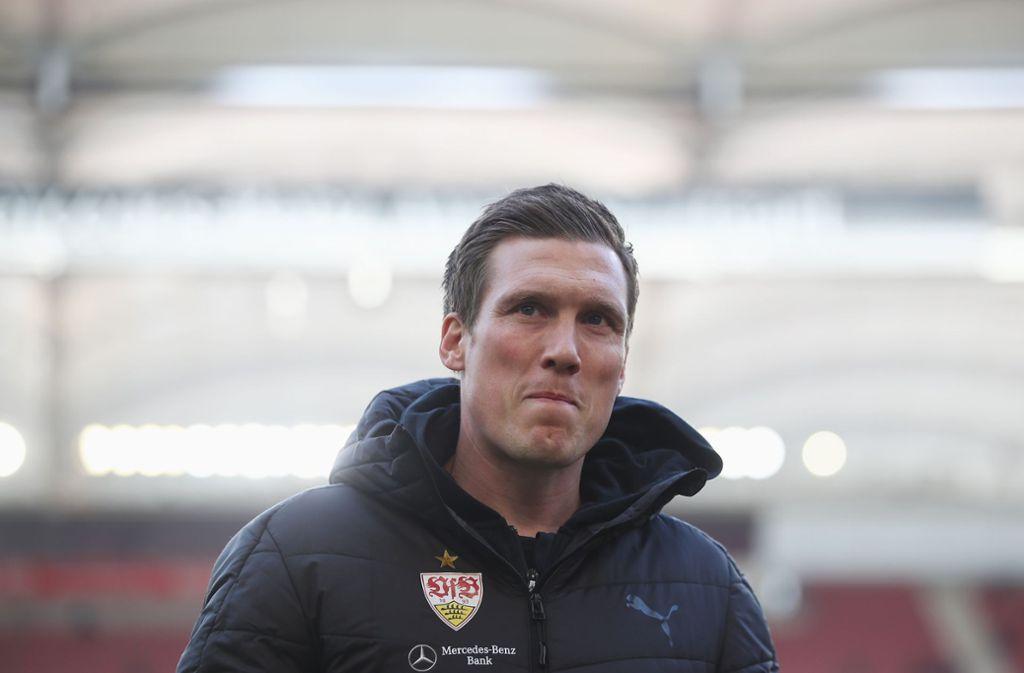Die verantwortlichen des VfB halten noch an Hannes Wolf fest, doch die Luft für den Trainer wird dünner. Foto: Bongarts