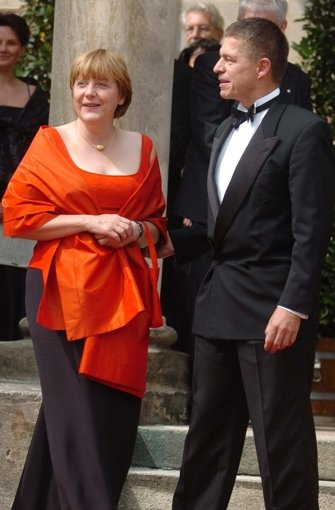 Fotostrecke Roter Teppich in Bayreuth Das doppelte Kleid