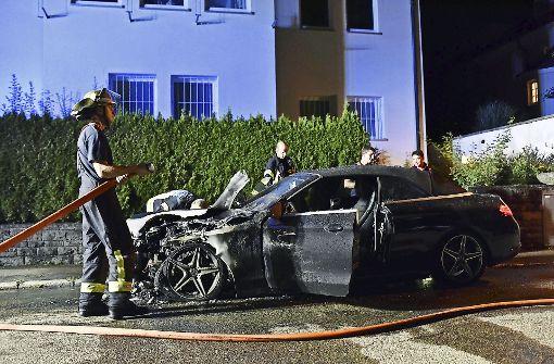 Brennende Autos: Serientäter gesucht