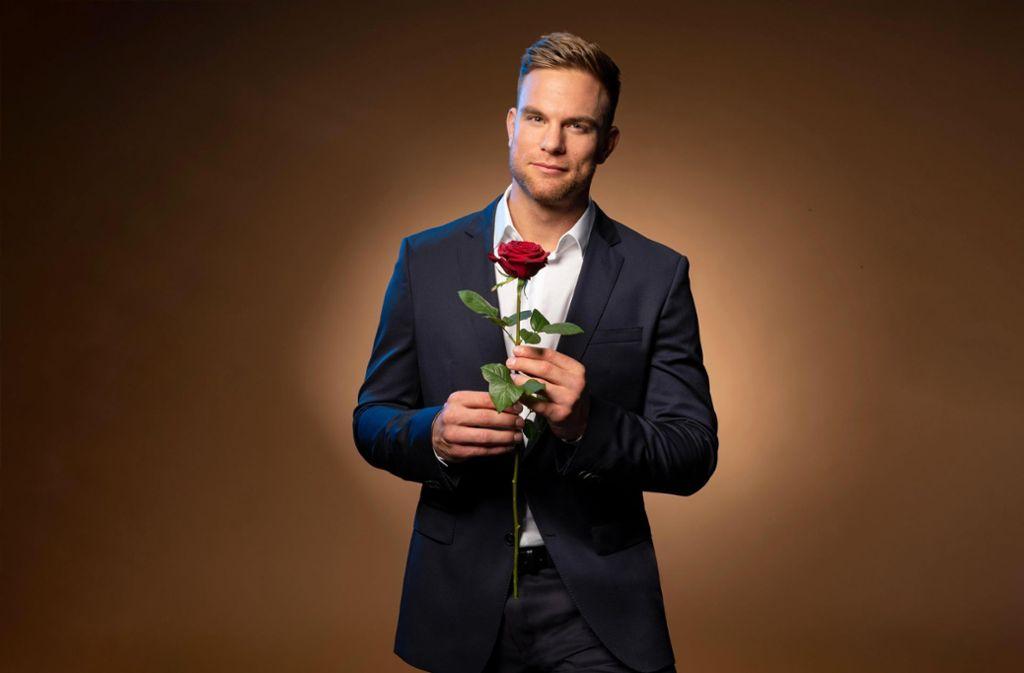 Große Liebe oder kurzes Glück? Bachelor Sebastian Preuss verteilt seine letzte Rose. Foto: RTL/TVNOW