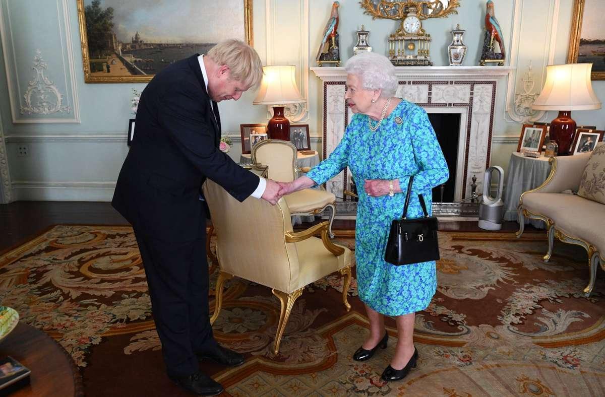Boris Johnson bei der Queen (Archivbild) Foto: dpa/Victoria Jones