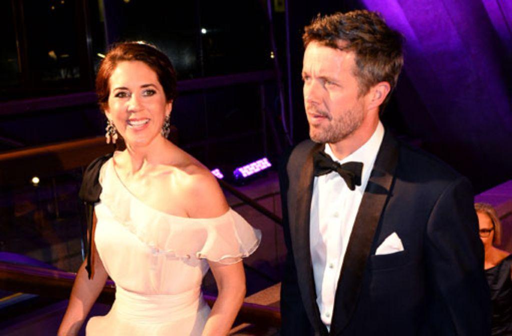 Zu den 40-Jahr-Feierlichkeiten des weltberühmten Opernhauses von Sydney sind Kronprinz Frederik von Dänemark und seine Frau Mary nach Australien gereist. Foto: Getty Images