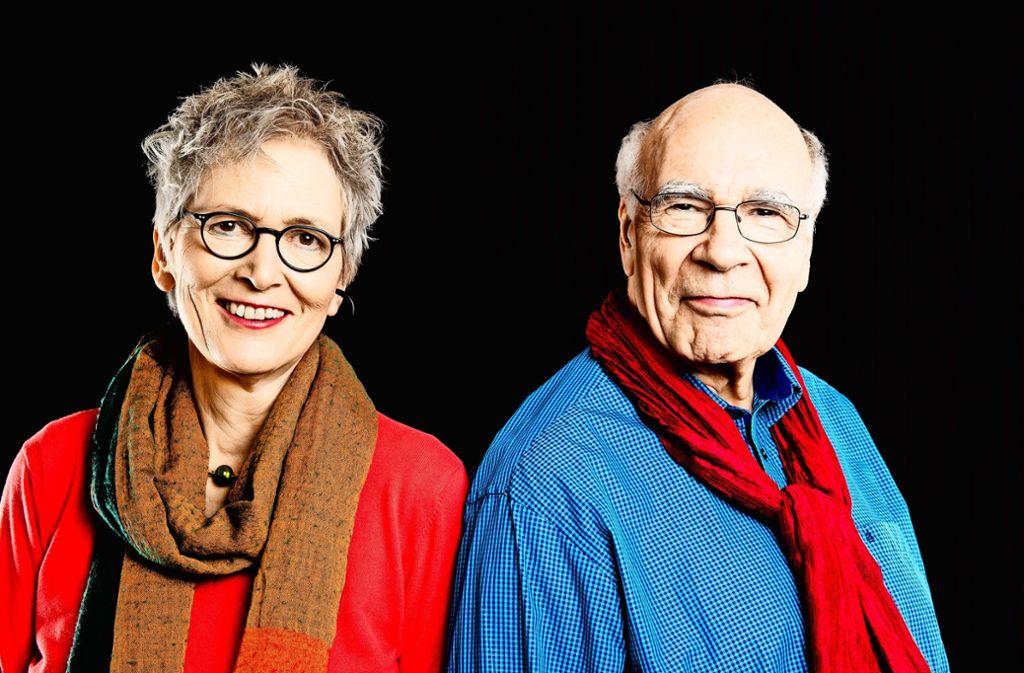 Das Autorengespann Roswitha Quadflieg und Burkhart Veigel Foto: z/Milena Schlössel