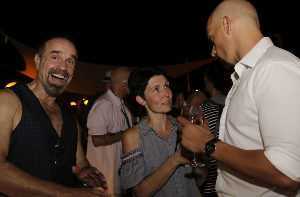 Auch Sebastian Weingarten (links), der Intendant des Renitenz-Theaters hatte Spaß. Foto: Klaus Schnaidt
