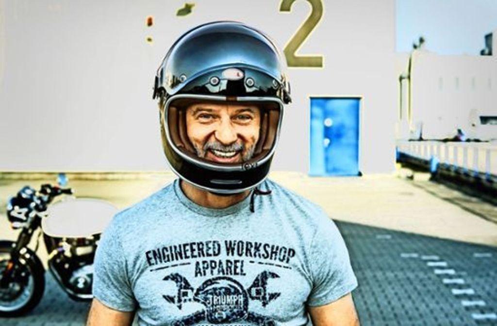 """Der Schauspieler Simon Licht hat die Aktion """"Mit offenem Visier gegen Depressionen"""" gestartet. Foto: Alexander Hörbe"""