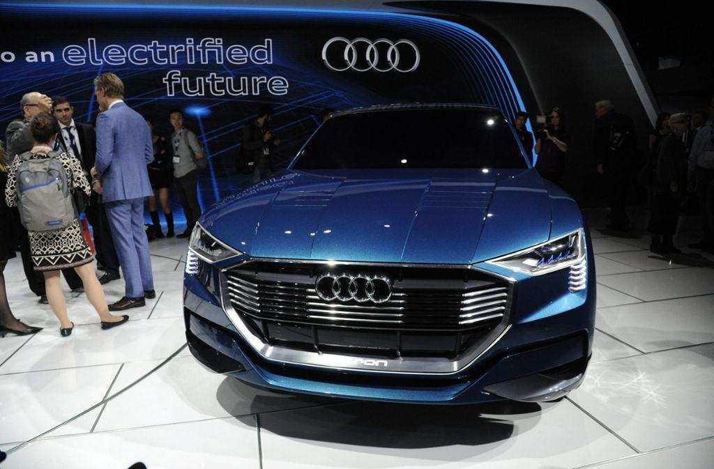 Audi bringt noch 2018 den E-tron Quattro mit einer Reichweite von 500 Kilometern auf den Markt.  Foto: dpa