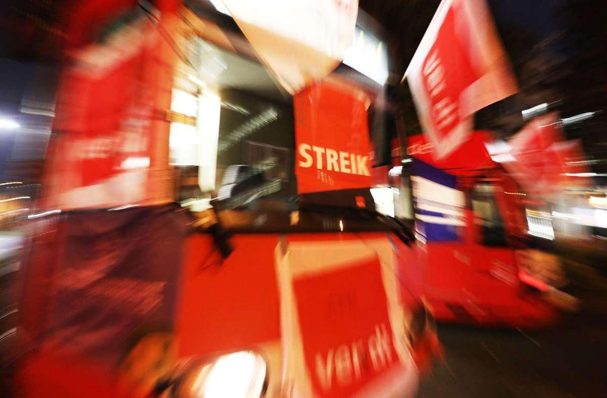 Die Gewerkschaft Verdi und der Beamtenbund dbb fordern für die Tarifbeschäftigten von Bund und Kommunen 4,8 Prozent mehr Geld. Foto: dpa/Oliver Berg