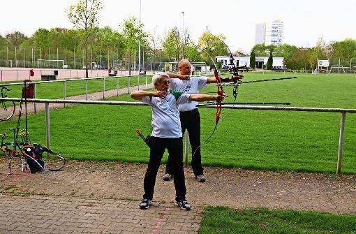 Treffsicher: Bernd Lehrer (rechts) und Helmut Mucha. Foto: Waltraud Daniela Engel
