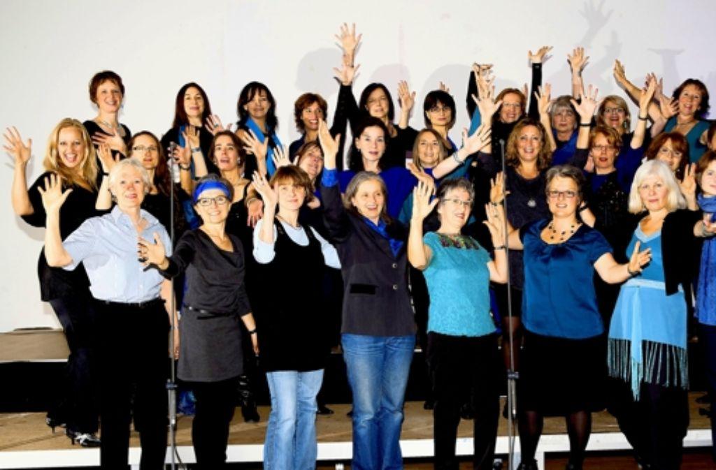 Die Sängerinnen des gemischten Frauenchors haben etwa vier Auftritte im Jahr. Foto: Gordon Grünhage