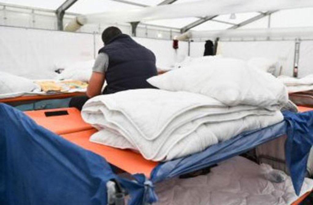 Das Land will mehr Unterbringungsmöglichkeiten für Flüchtlinge schaffen. (Symbolfoto) Foto: dpa
