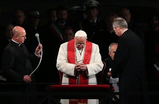 Zehntausende beten mit Papst Franziskus